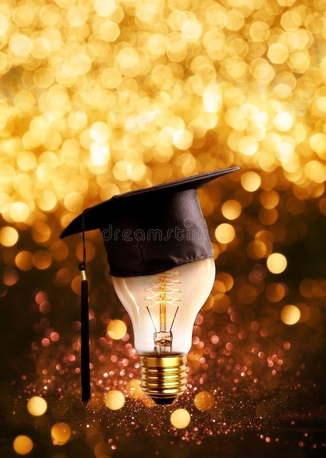 de gelukwensengediplomeerden GLB op een lampbol met schitteren lichten royalty-vrije stock foto