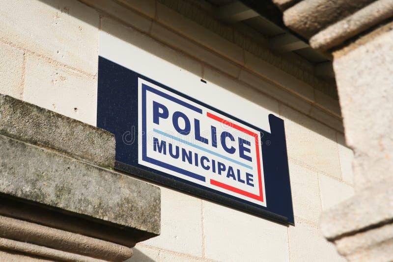 De gemeentelijke het Politiebouw en teken in Frankrijk, politie municipale betekenen lokale politie in het Frans stock afbeelding