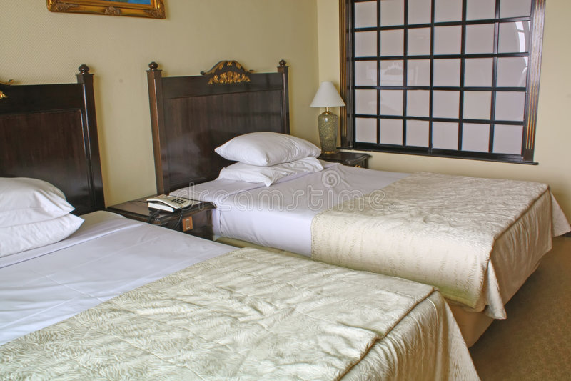 De generische Zaal van het Bed van het Hotel royalty-vrije stock foto