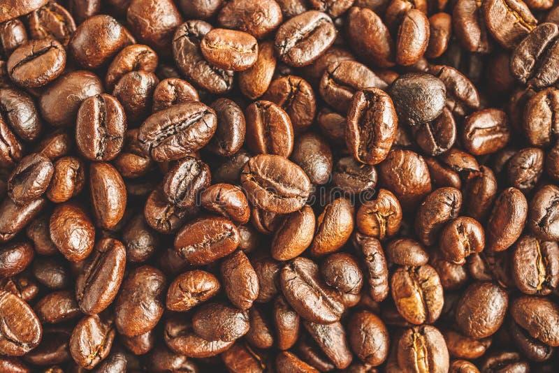 De geroosterde achtergrond van de de close-uptextuur van koffiebonen royalty-vrije stock fotografie