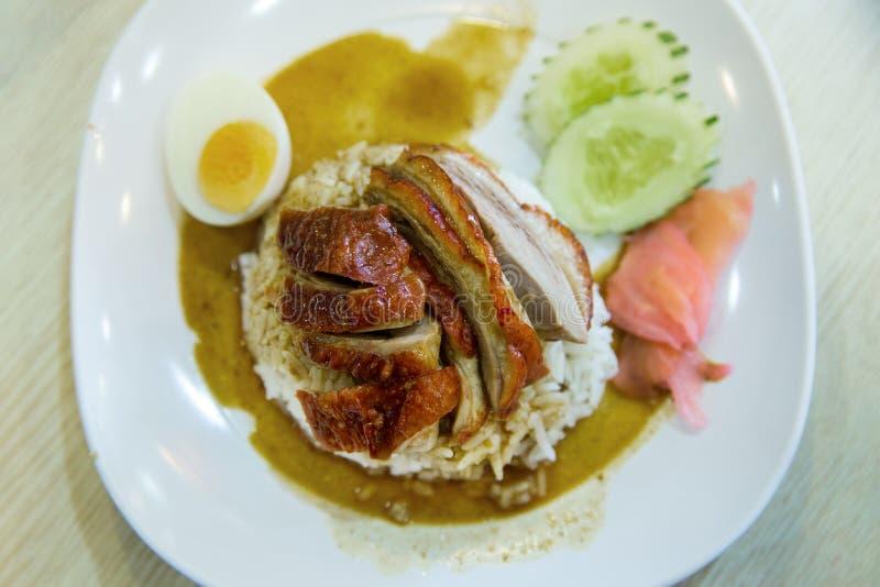 De geroosterde eend op rijst, concentreert selectief royalty-vrije stock afbeelding