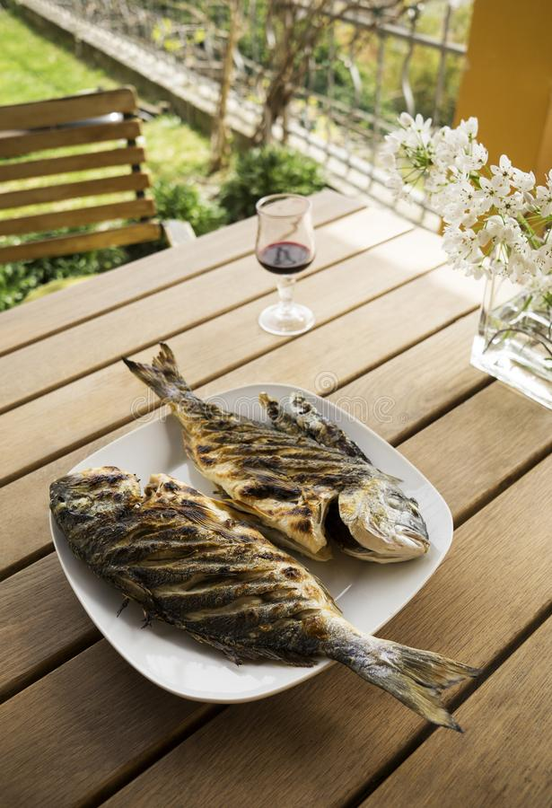 De geroosterde maaltijd van het Vissenvoedsel royalty-vrije stock afbeeldingen