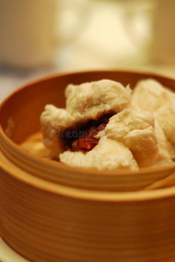 De gestoomde BBQ Broodjes van het Varkensvlees - klusjessiu bao stock afbeeldingen