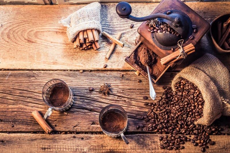 De geur van vers grinded koffie royalty-vrije stock foto's