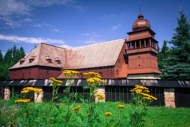 De Gewrichts Houten Kerk - Svaty Kriz, Slowakije stock foto's