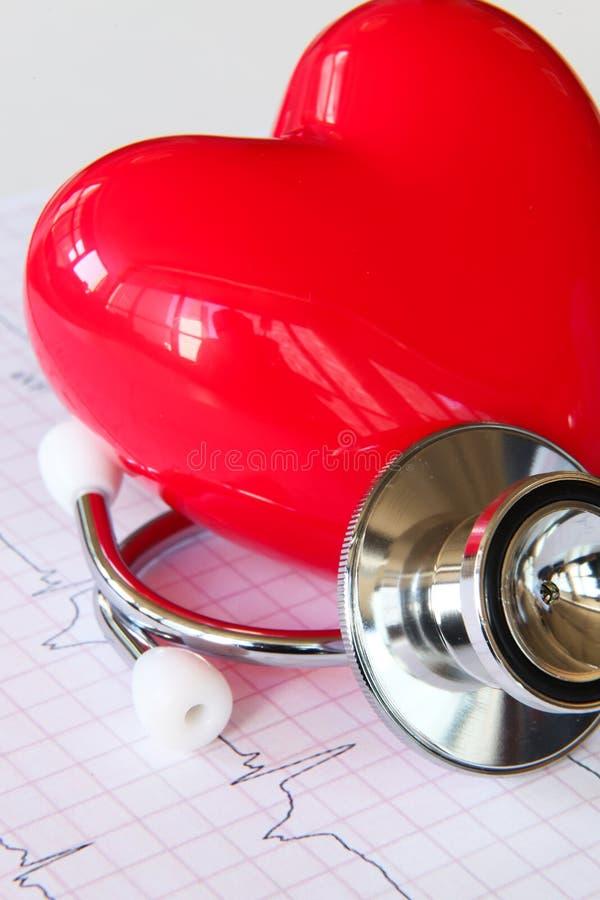 De gezondheidsgrafiek van de stethoscoop met hart royalty-vrije stock afbeeldingen