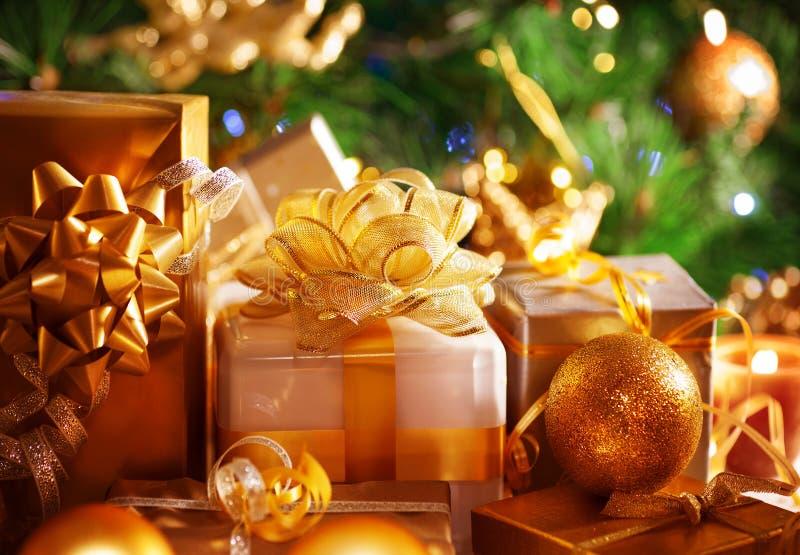 De giften van het Nieuwjaar van de luxe stock afbeelding