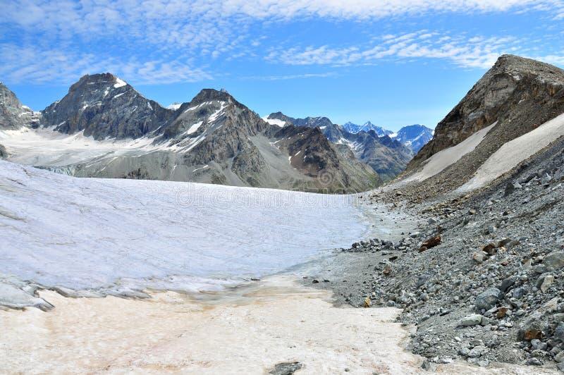 de glacier pointe schonbielhorn stockji zinal 免版税库存照片