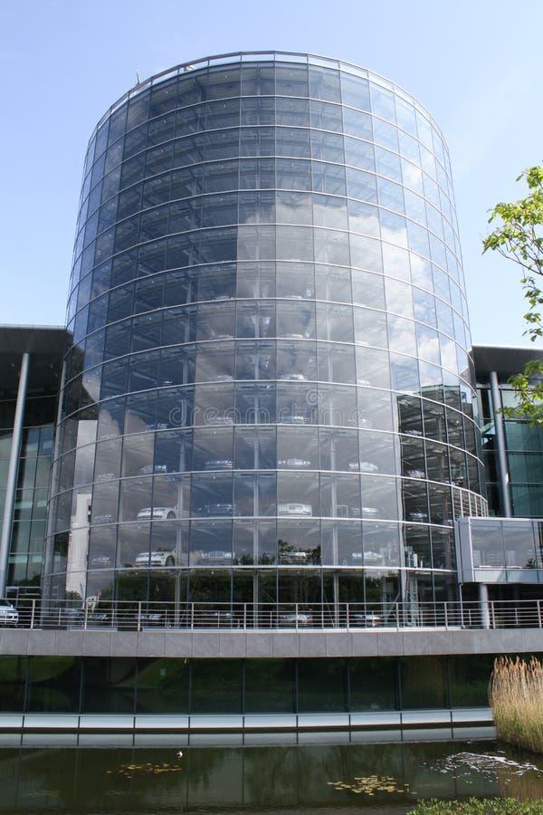 De Glasfabriek van Volkswagen De transparante fabriek royalty-vrije stock afbeelding