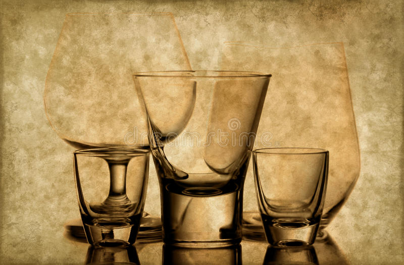 De glazen van de whisky en van de wijn royalty-vrije stock foto