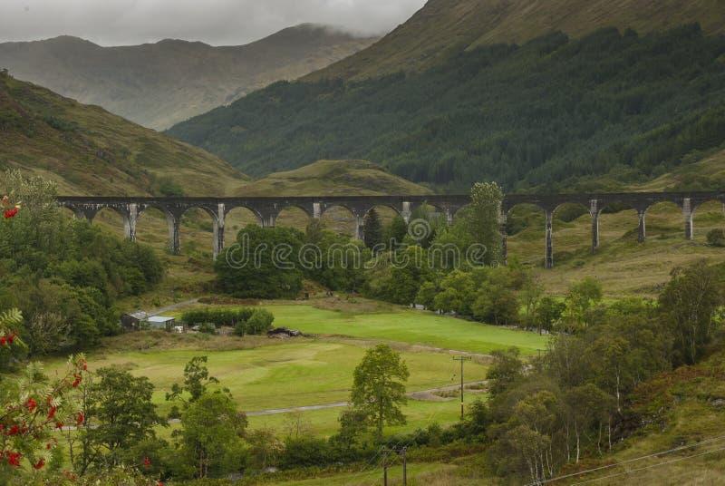 De Glenfinnan-Brug van de Viaducttrein stock afbeelding