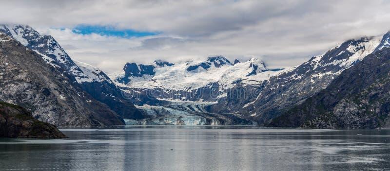 De Gletsjer en de bergen van Johnshopkins stock foto