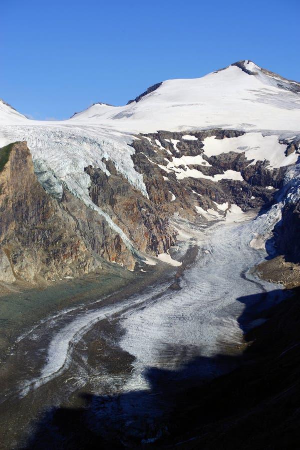 De gletsjer Pasterze en de Johannisberg-piek royalty-vrije stock fotografie
