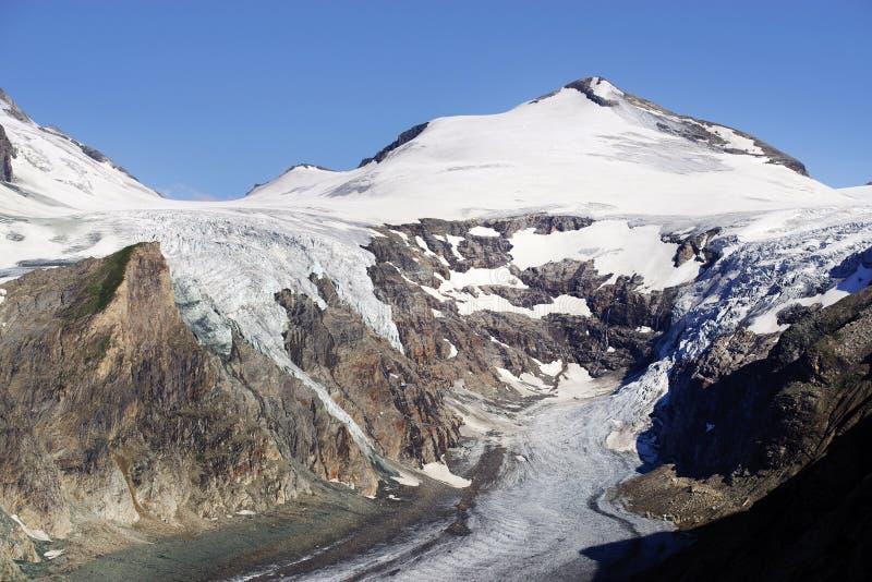 De gletsjer Pasterze en de Johannisberg-piek stock afbeeldingen