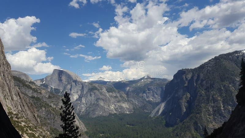De gletsjerpunt van het Yosemite nationaal park royalty-vrije stock afbeeldingen