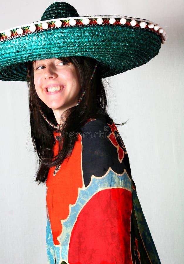 De glimlach van de vrouw met Mexicaanse hoed stock foto's
