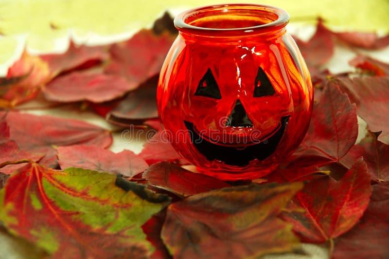 Download De Glimlach van Halloween stock foto. Afbeelding bestaande uit rood - 281646