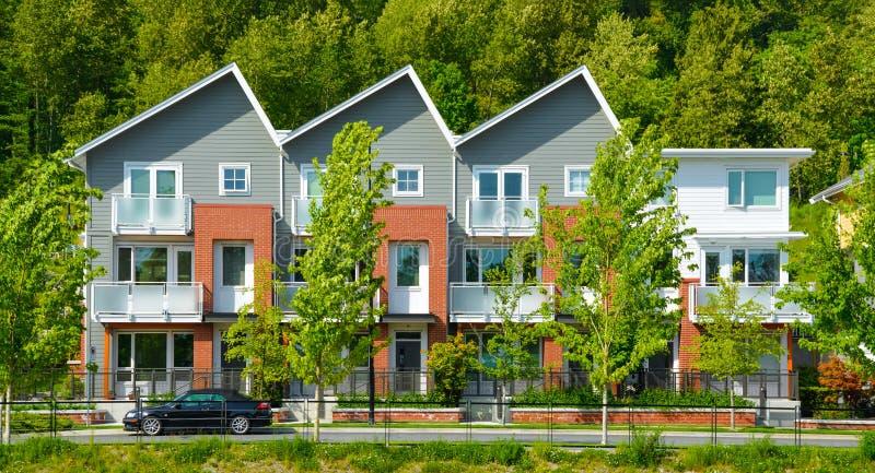 De gloednieuwe huis in de stadbouw in Vancouver, Brits Colombia stock fotografie