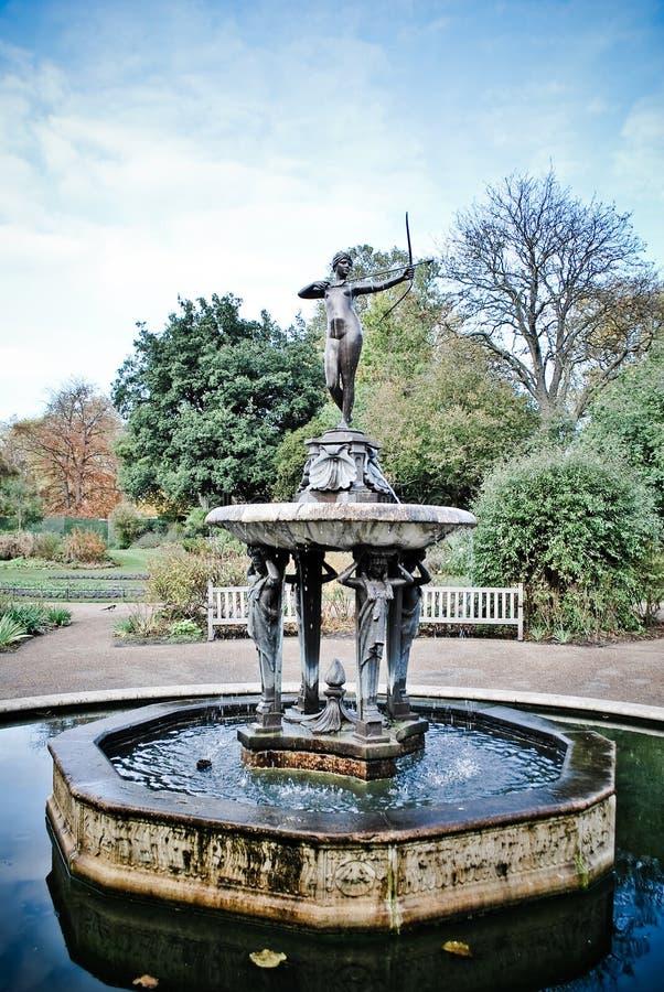 De godin Diana van de fontein royalty-vrije stock fotografie