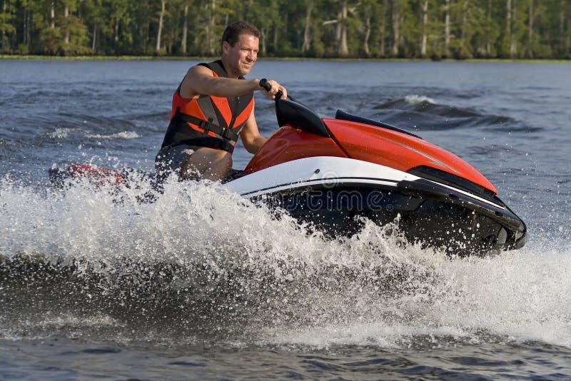 De golfagent van het personenvervoer in rivier royalty-vrije stock afbeeldingen