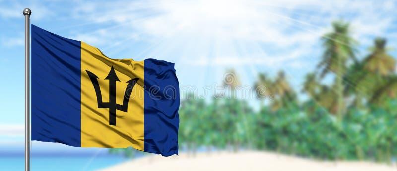 De golvende vlag van Barbados in de zonnige blauwe hemel met de achtergrond van het de zomerstrand r royalty-vrije stock foto's