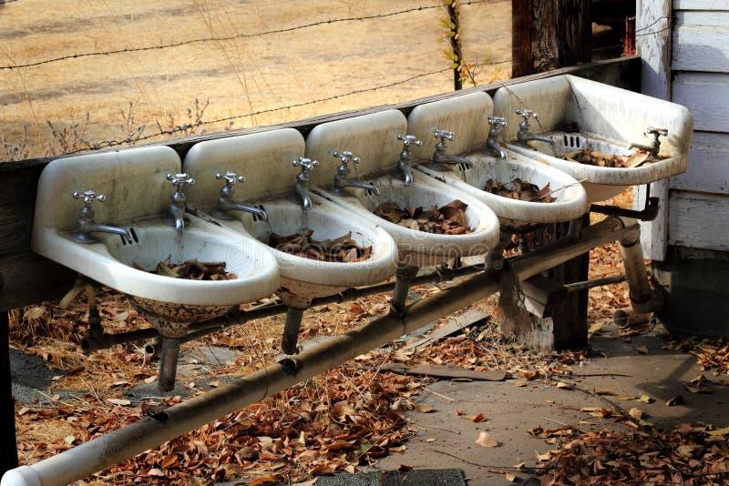 De Gootstenen van landbouwbedrijfwashup stock afbeeldingen
