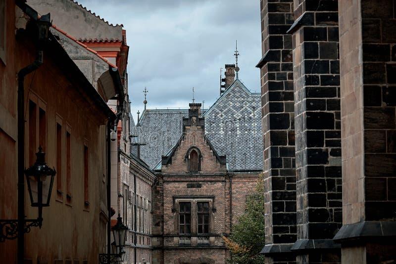 De gotische voorgevel van Heilige Vitus Cathedral in het Kasteel Complex van Praag, Tsjechische Republiek stock afbeelding