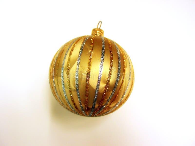 Download De gouden bal van Kerstmis stock foto. Afbeelding bestaande uit vakantie - 294488