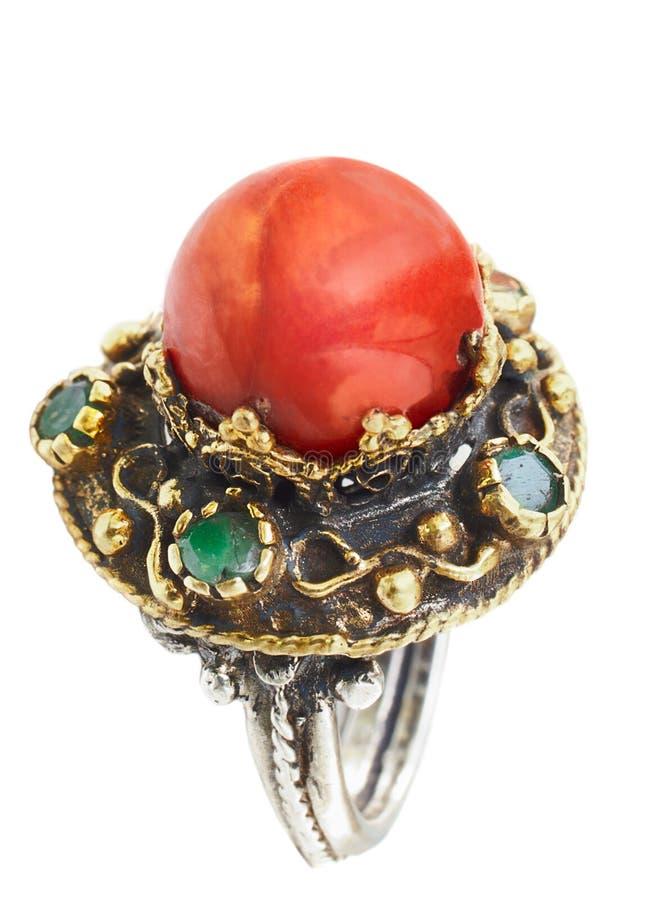 De gouden en zilveren Turkse ring van de Ottomane met koraal royalty-vrije stock afbeelding