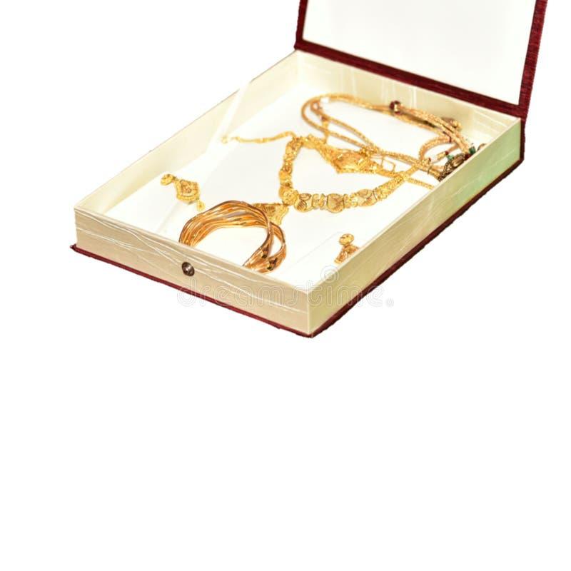 De gouden juwelen van het huwelijk voor Indische bruid royalty-vrije stock foto