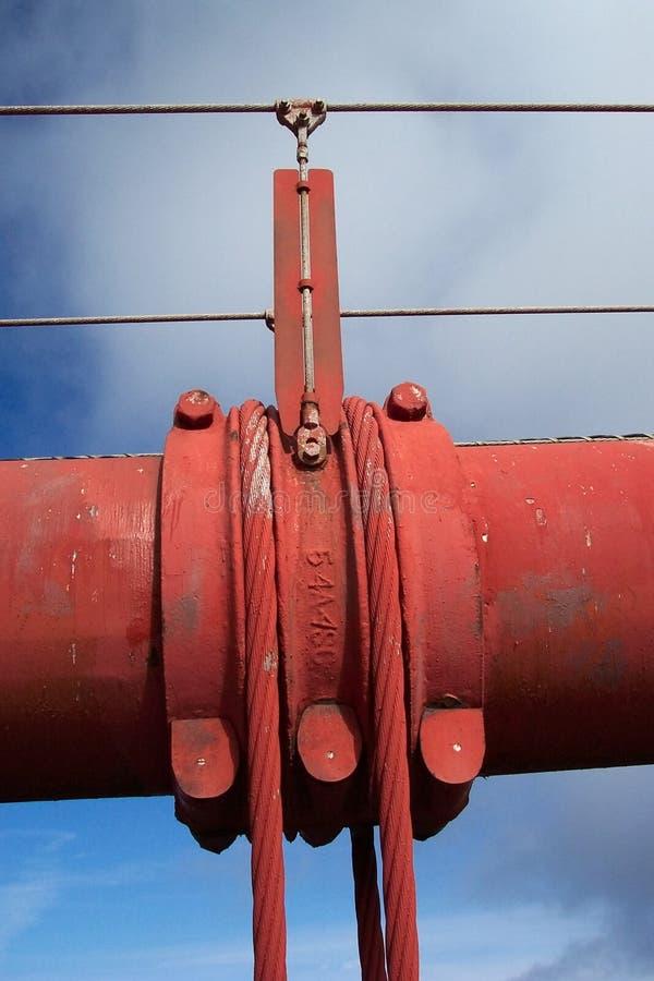 Download De Gouden Kabel Van De Brug Van De Poort Stock Afbeelding - Afbeelding bestaande uit walking, kabel: 32983