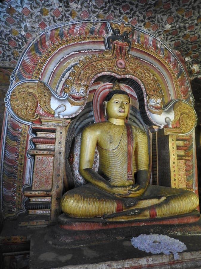 De gouden tempel van Dambulla is de plaats van de werelderfenis en heeft een totaal van een totaal van 153 standbeelden van Boedh royalty-vrije stock afbeelding