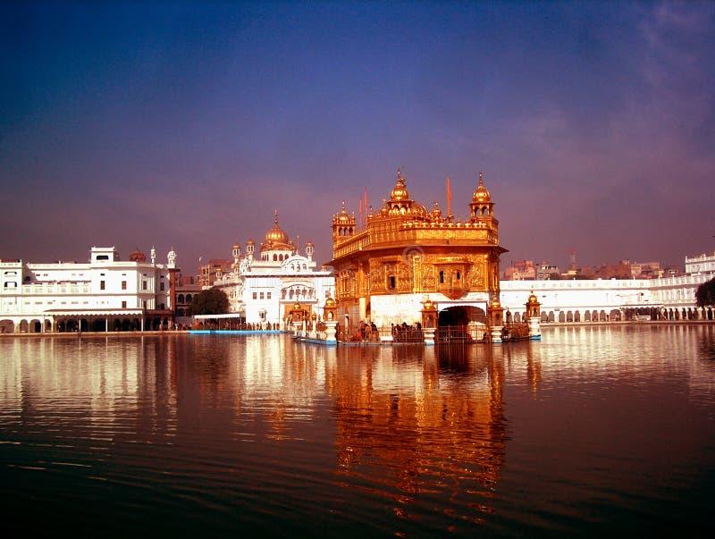 De gouden Zonsondergang van de Tempel royalty-vrije stock foto's