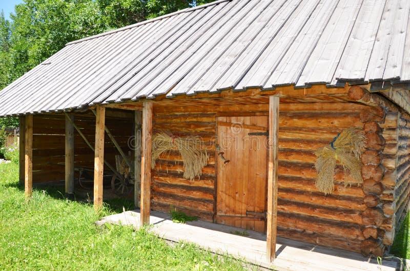 De graanschuur van de Oekraïne in een dorp stock foto