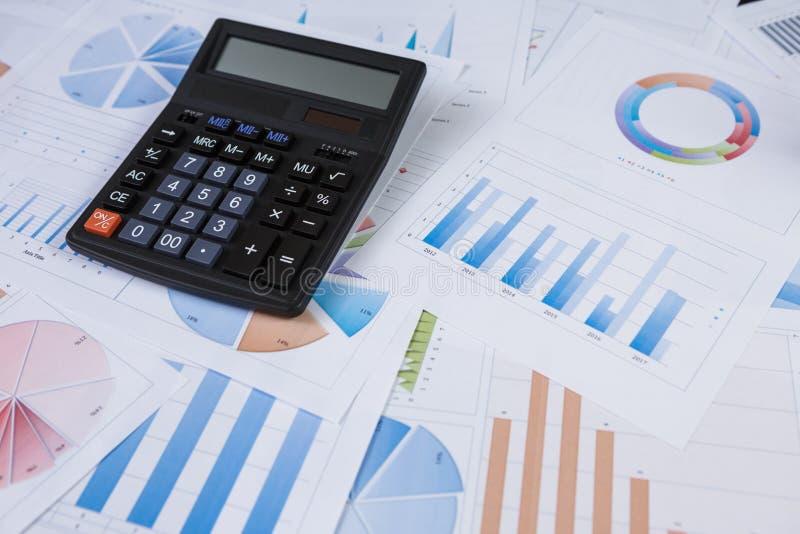 De grafiekenanalyse van de financiële boekhoudingseffectenbeurs royalty-vrije stock foto