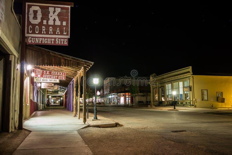 De grafsteen Arizona o.k. drijft Nacht bijeen stock foto