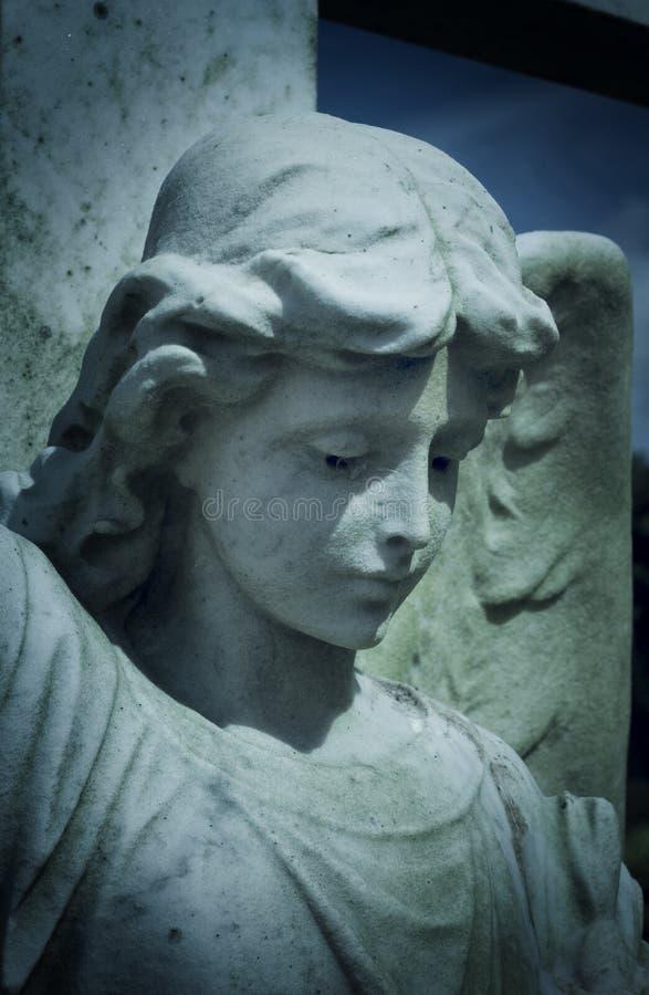 De grafsteen van de engel stock afbeelding