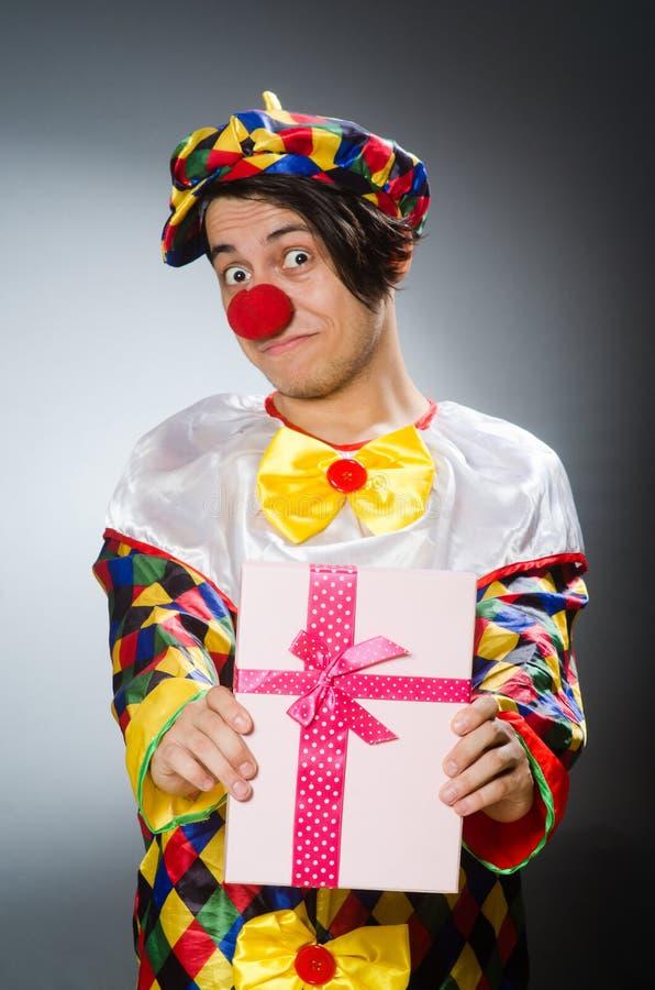 De grappige clown in komisch concept royalty-vrije stock fotografie