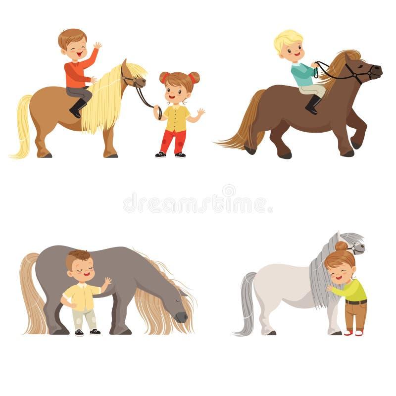 De grappige kleine jonge geitjes die poneys berijden en hun paarden behandelen plaatsen, ruitersport, vectorillustraties vector illustratie