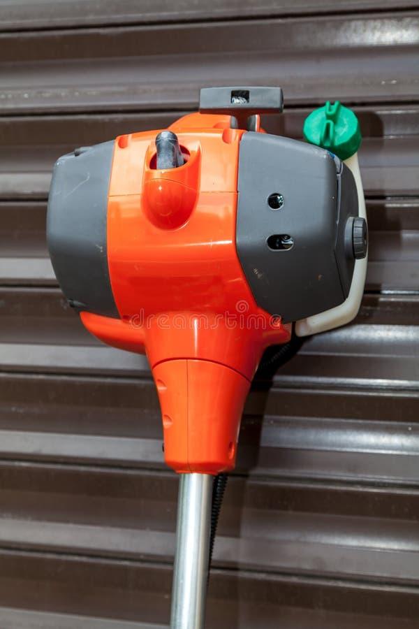 De grasmaaimachine van de benzinemotor stock foto