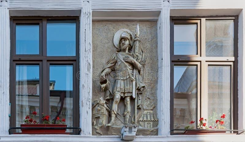 De gravuredecoratie op de bouw van Chernivsti-hoofdstraat in de Oekraïne stock fotografie