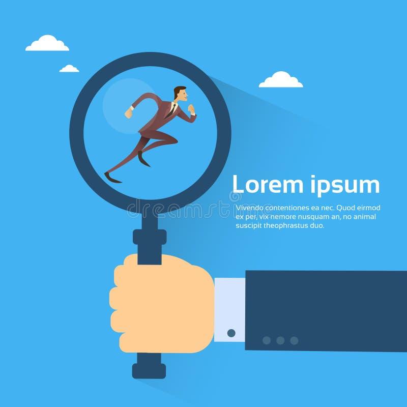 De Greepvergrootglas van de bedrijfsmensenhand met Lopende Zakenman, het Exemplaar Ruimte Vlak Ontwerp van het Kandidaatrekruteri royalty-vrije illustratie