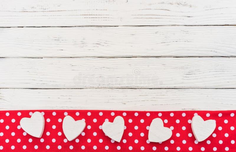 De grensachtergrond van liefdeharten voor de kaart of het Huwelijk van de Valentijnskaartendag stock fotografie