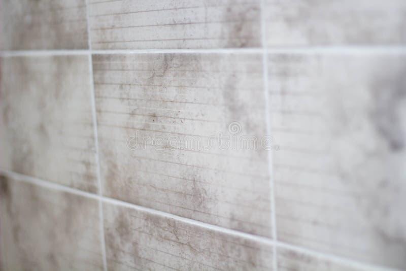 De grijze tegels in de keuken sluiten omhoog royalty-vrije stock afbeeldingen