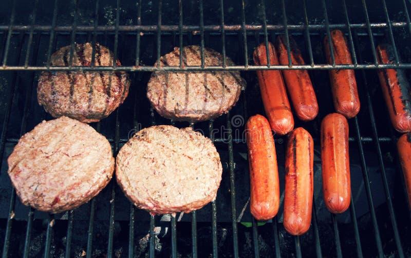 De gril nourriture pour le cuisinier  photo libre de droits