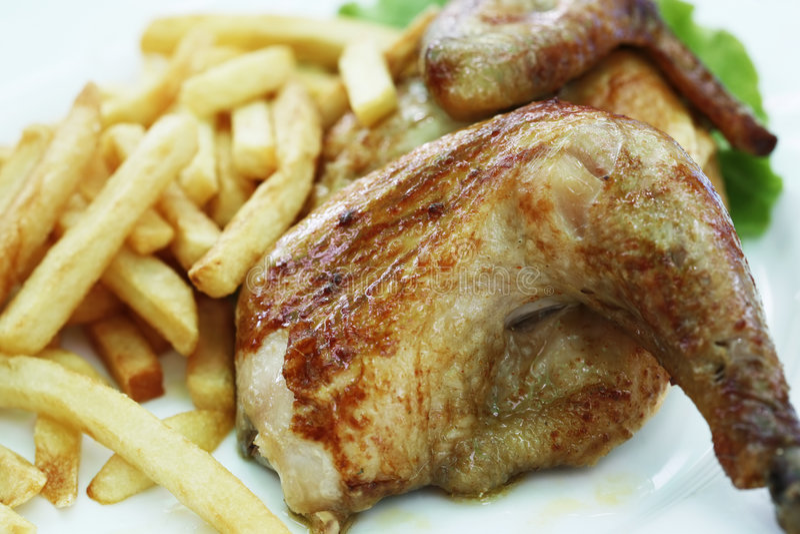 De grill van de kip met een aardappel royalty-vrije stock foto