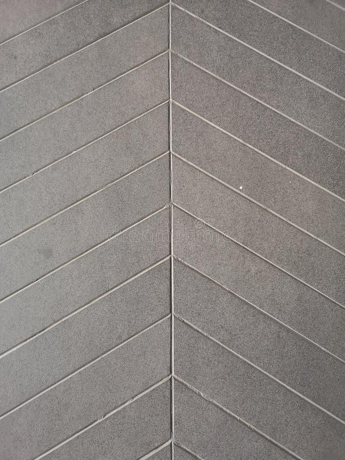 de groeflijn op cement beschermt Antislip van de de textuurvloer van de hellings concreet ruwe oppervlakte grijs de kleurenmateri stock afbeeldingen