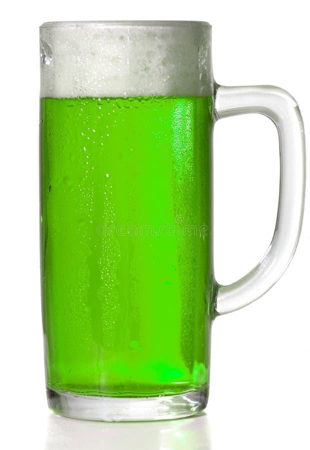 De groene mok van het Bier stock afbeelding