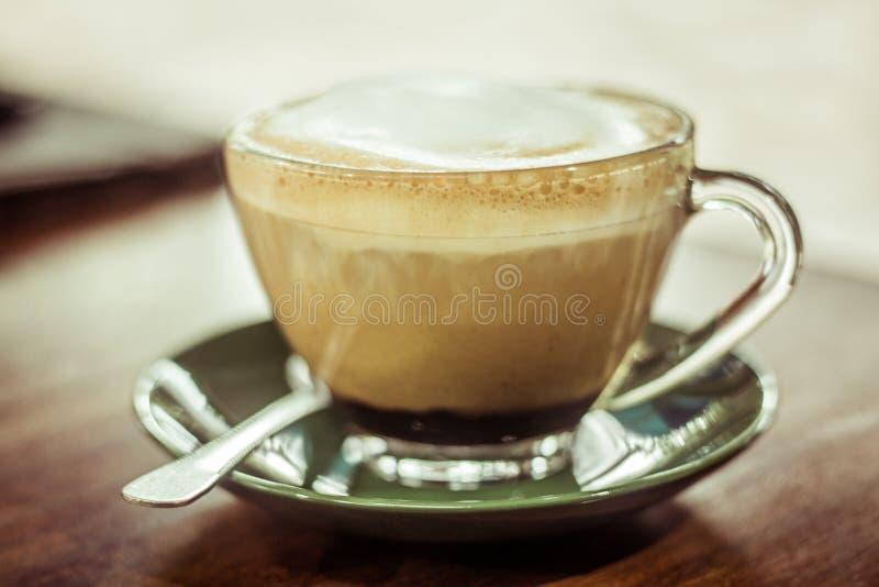 De groene schotel van de koffiemok royalty-vrije stock fotografie