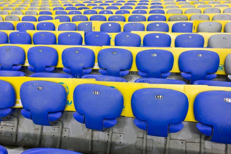De groene zetels van het stadion royalty-vrije stock foto